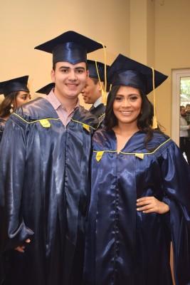 Kevin Paz y Karen Cruz