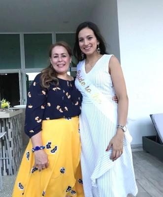 Lia Castro de Bográn con su futura nuera Mildred Reyes