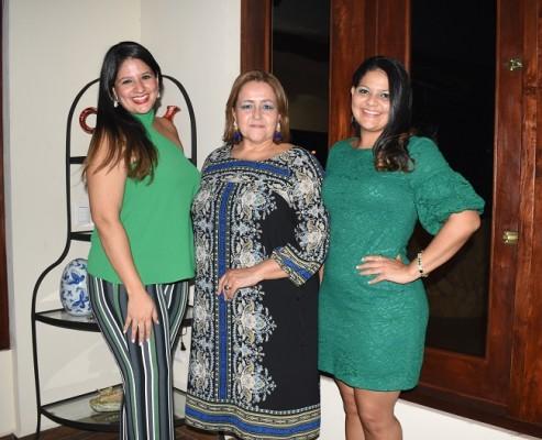 Linda López, Linda de López y Fiorella López
