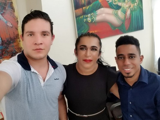 Los directores del Miss Teem Honduras Zoe Zavala y Jasson Stuar son los nuevos arrendatarios del Reinado de la Feria Isidra 2020... Después de una reunión de trabajo con ejecutivos de la unidad de Turismo de la Municipalidad Ceibeña...