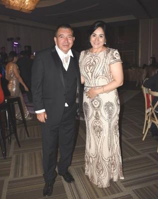Los padres de la novia, Marco Antonio Guzmán y Nancy Carballo