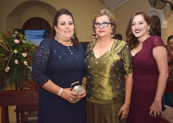 María Eugenia de Arias, María Judith Cueva y María Judith Torres.