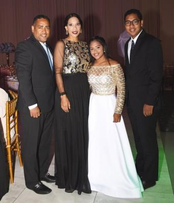 Mario Barahona, Sayra de Barahona, Sayra Barahona y Mario Barahona Jr.