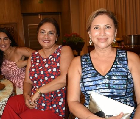 Marta Velasquez y Jenny Yuja
