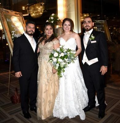Marvin Aguilar, Marisol de Aguilar, Tania Guzman de Jaar y Juan Jaar