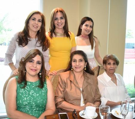 Mary Segebre, Leyla Abuid, Wadia Abuid, Wafa, Lima y Nelly Zgheibra