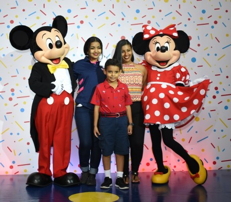 Mickey Mouse-multiplaza 21