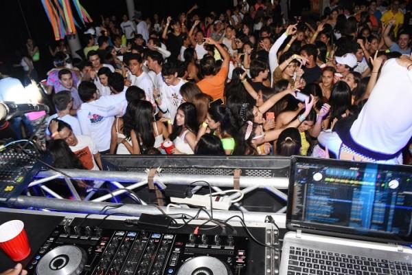 Neon Party EIS 15