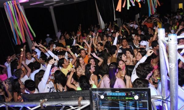 Neon Party EIS 16