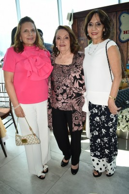 Sandra de Matute, Tony Crespo y Paty Flores