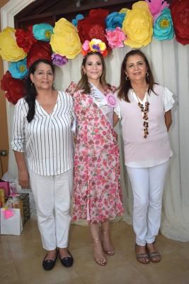 Silvia de Suazo, Vanessa Suazo y Lizeth de García