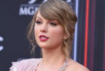 La cantante Taylor Swift critica a Donald Trump; 'él piensa que es una autocracia'