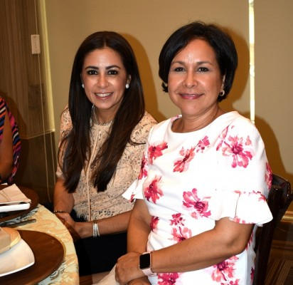Tricia Díaz y Jackie Solís