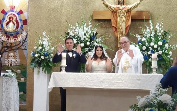 Uno de los instantes más emotivos durante la ceremonia de Carlos y Lorraine