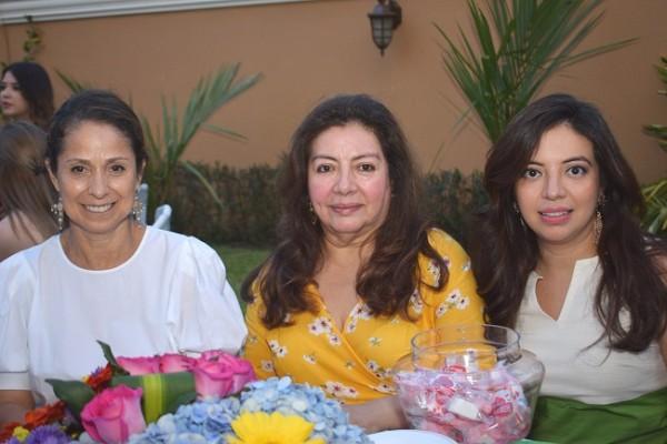 Xiomara León, Rita Matricardi y Rita Zúniga