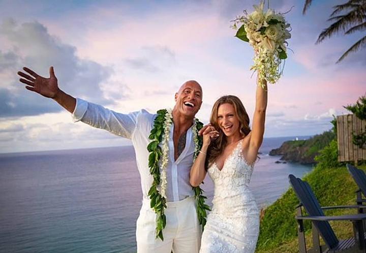 El actor Dwayne Johnson 'The Rock' se casó y sorprende a sus fanáticos con una serie de fotos