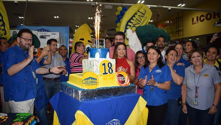Festejan 18 aniversario de Supermercados Colonial