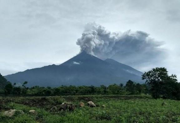Tres comunidades fueron declaradas inhabitables por amenaza de volcán de Fuego en Guatemala