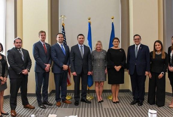 EEUU y Honduras firman más acuerdos para ampliar iniciativas bilaterales y frenar la migración irregular
