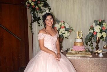 Maravillosos momentos en los 15 años de Alejandra Soberanis