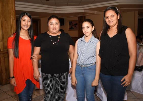Alisson Flores, Elsy Rosales, Marlin Rivera y Nuria Flores