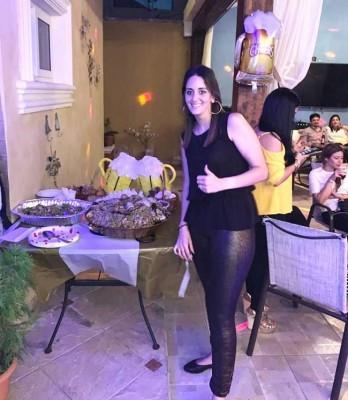 Andrea Tejada-Kawas de Peralta en su fabuloso reventón de cumple