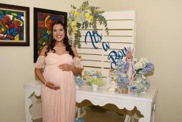 Graciosos conejitos en el baby shower de Carmen Emilia