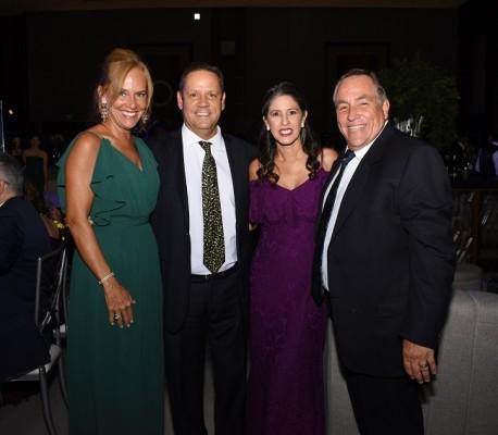 Carmen Fernández, José Antonio Fernández, Elena y Mario Delgado