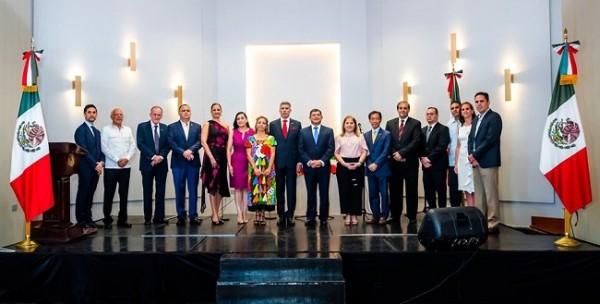 Celebrando el Grito de la Independencia Mexicana ¡Viva México!