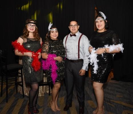 Cristy Flores, Kimberly Altamirano, Carlos Cruz y Karla Cruz
