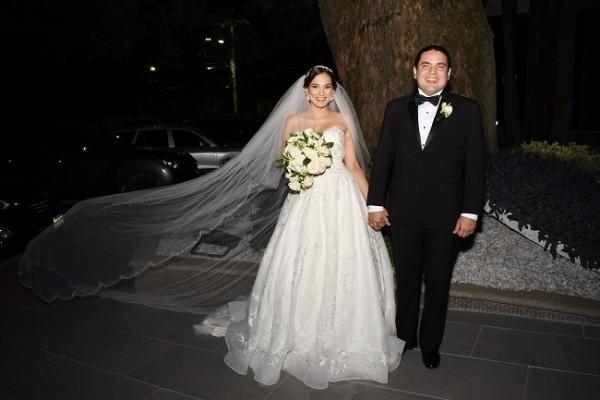 Mildred y Guillermo brillaron con luz propia celebrando su gran y verdadero amor.