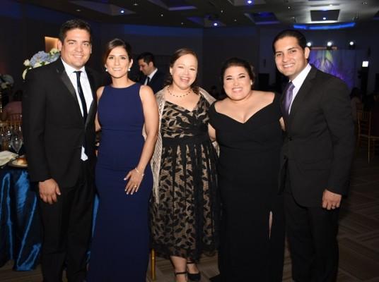 Denis Lardizábal, Laura Medina, Gabriela Rivera, Stephanie Klingenfuess y Gilberto Lara
