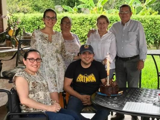 Continúan las celebraciones en la Familia Bográn-Castro