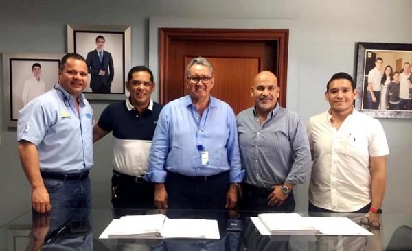En una reunión de trabajo el ingeniero Arnaldo Martínez, representante de ICCE,  hizo entrega en calidad de donación al presidente Orinson Amaya, el diseño de iluminacion del estadio Yankel Rosenthal.