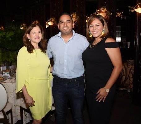 Edis Serrano, Nelson Bueso y Karen Bueso