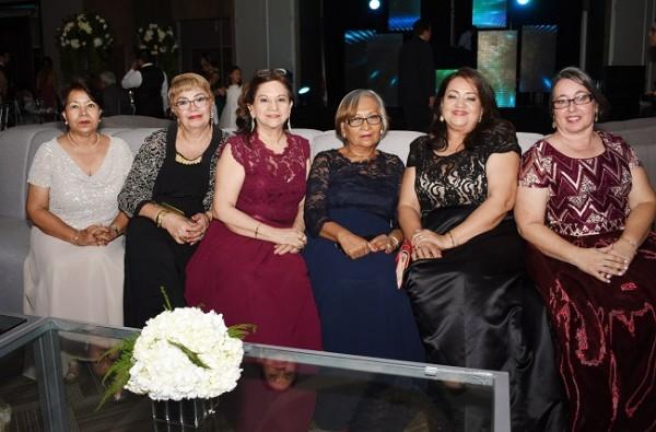 Edith de Dávila, Bella Lida Hernández, María Girón, Lastenia Delgado, Rosibel de Villegas y Nancy Hermida