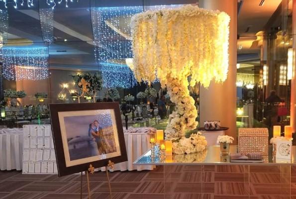 El impecable montaje parecía dar la bienvenida a los selectos invitados de los esposos Kattán-Salamé
