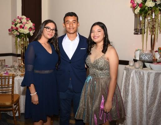 Emily Cuestas, José David Ortiz y Diana Méndez