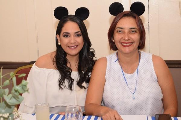 Ena Interiano y Karla Mejia.