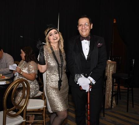 El glamour y la elegancia personificada en Erika Cáceres y el cumpleañero, Eugenio Laínez