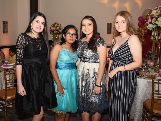 Fiorella Lagos, Gisselle Sánchez, Mirtza García y Paulette Meléndez
