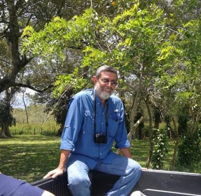 German Perez haciendo turismo por la ruta del lago de Yojoa