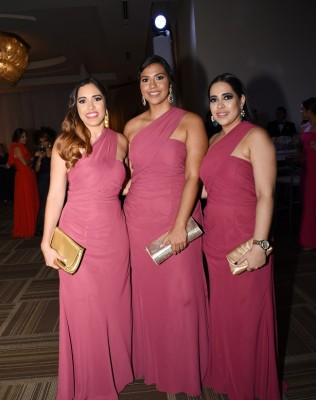 Gloria Glynn, Ana García y Reyna Glynn