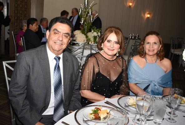 Héctor Valerio, Sonia Valerio y Sandra de Matute