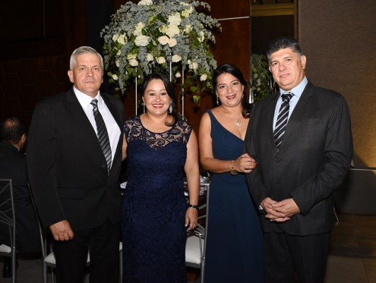 Ian Fiallos, Bianca de Fiallos, Marcela de Soto y Christian Soto