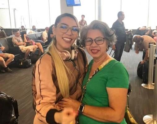 Isabel Santamaria con la hija de Alejandra Guzman, Frida Sofía
