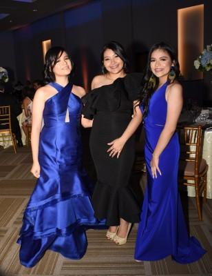 Jimena Villanueva, Carolina Cárdenas y Laura Villanueva