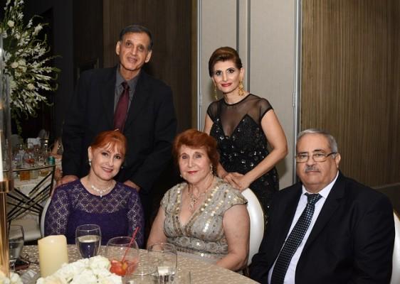Jorge Handal, Alicia Sikaffy, Vera de Handal, Mery Mourra y Jawad Kury.