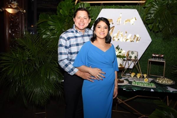 José Isaac Reyes junto a su esposa, Nelssy Alejandra Ordóñez de Reyes