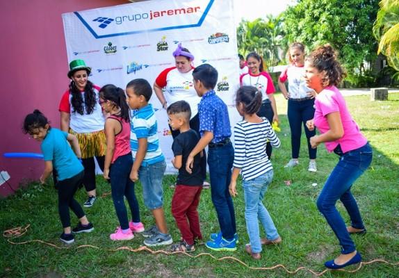 Grupo Jaremar dibuja sonrisas a 50 niños- Juegos